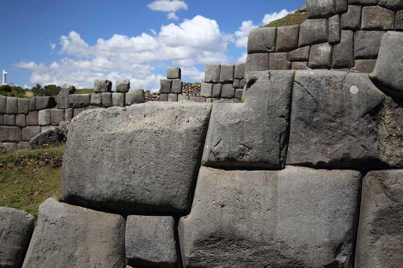 Sacsayhuaman-walls-cusco