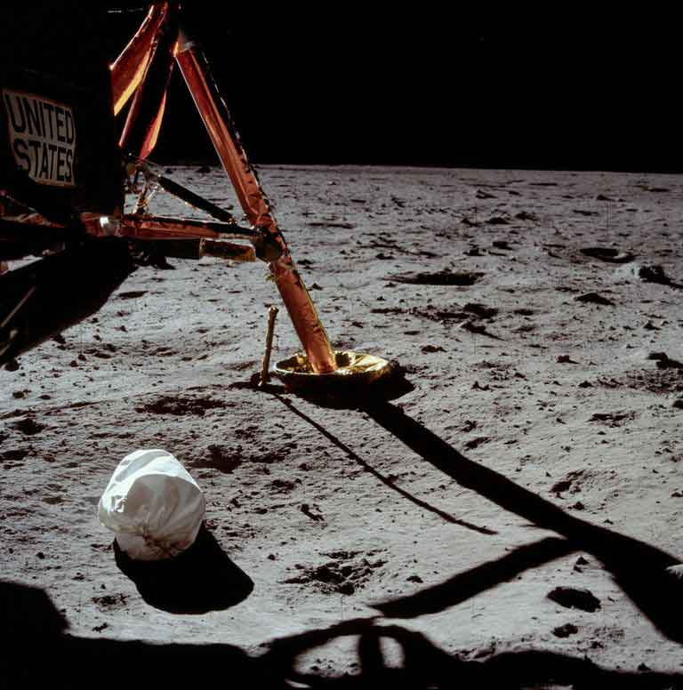 trash-bags-on-the-moon